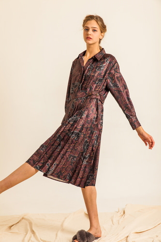 PRINTED PLEAT-DRESS